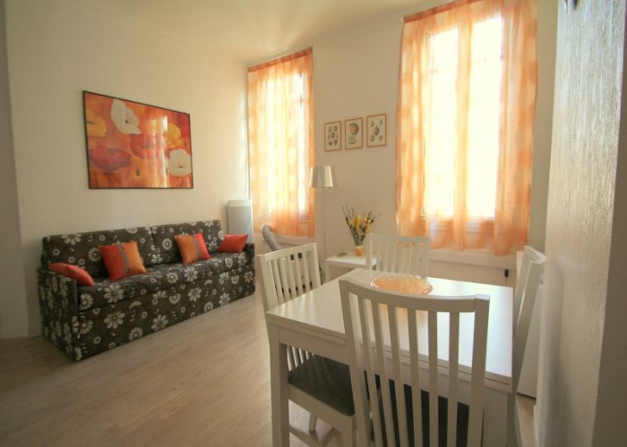 Apartment Rue d'Antibes-Cannes-Ref25 / 06029014345DP